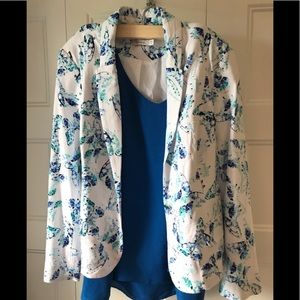 Beautiful floral blazer size 16 P